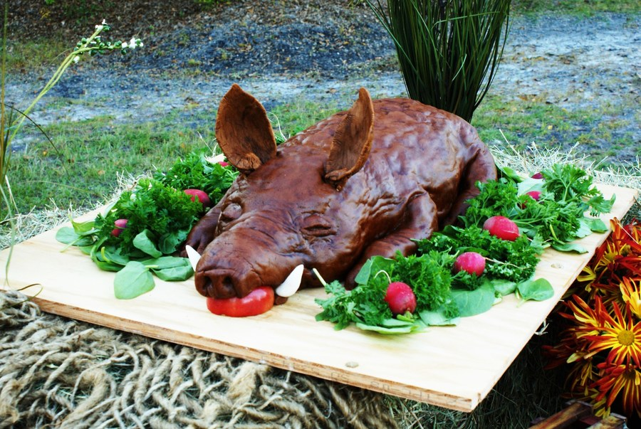 Roasted Hog / Pig / Boar Cake on Cake Central
