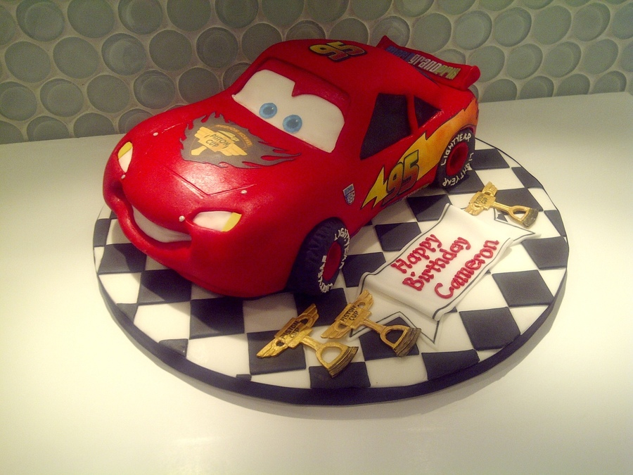Car Cake Images Download : Lightning Mcqueen - CakeCentral.com
