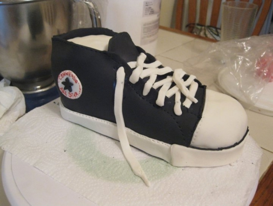 Converse Shoe Cake on Cake Central