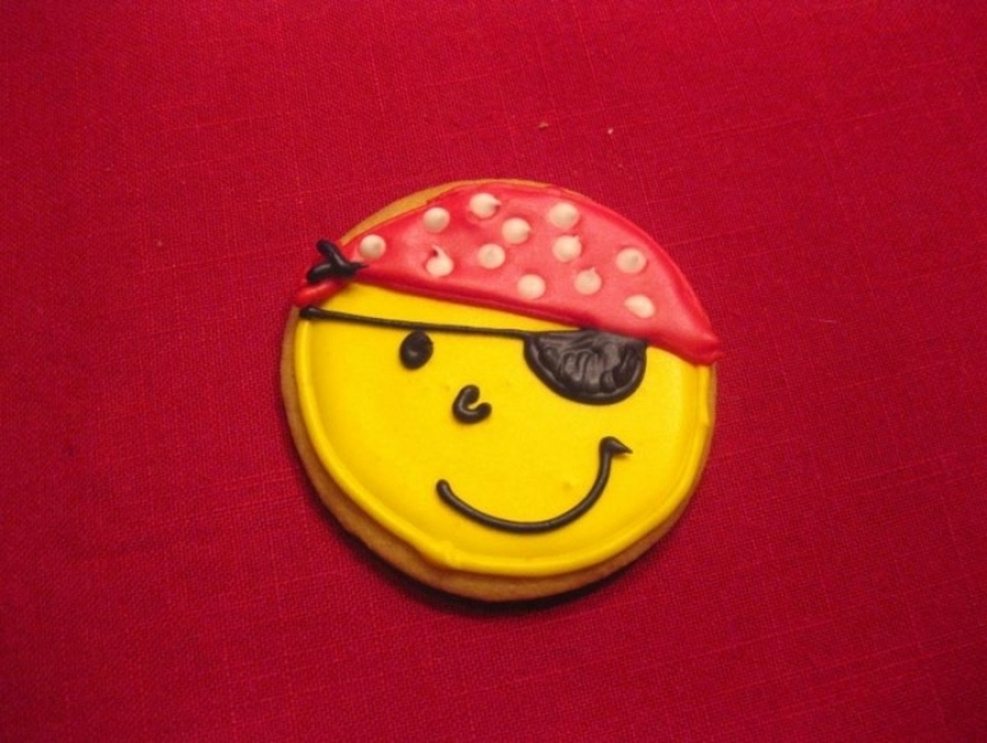 Pirate Smiley  on Cake Central