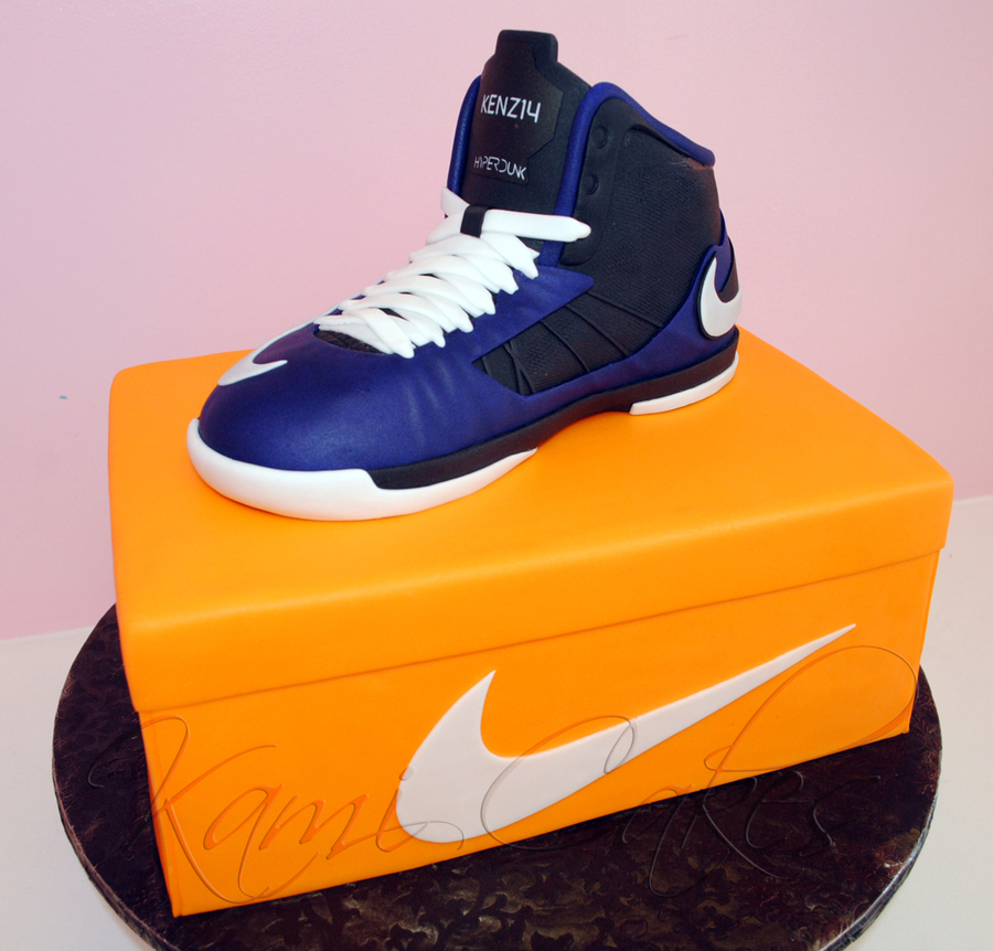 Custom Sneaker Made Out Of Rkt Nike Sneaker on Cake Central