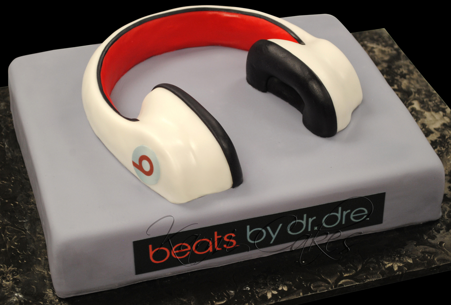 Beats Headphones on Cake Central