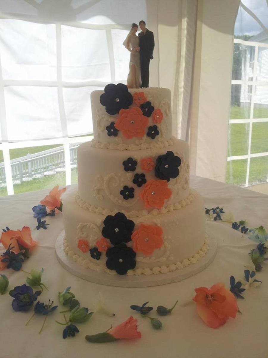 Navy Blue Themed Wedding Cakes