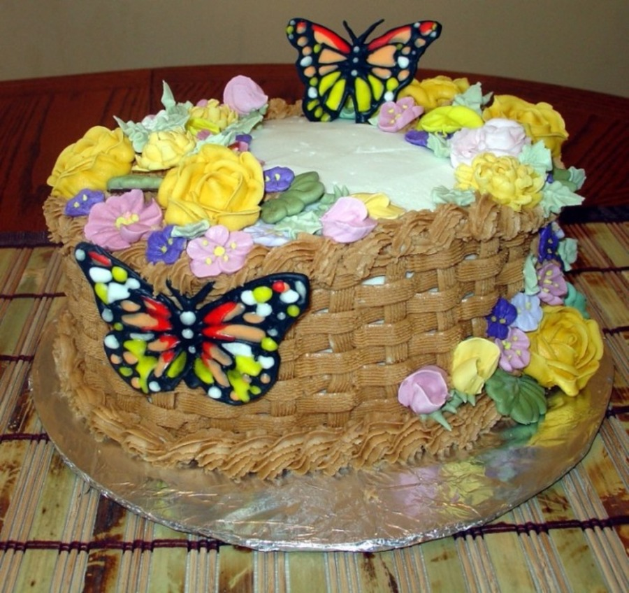 Basket Of Flowers And Butterlies on Cake Central