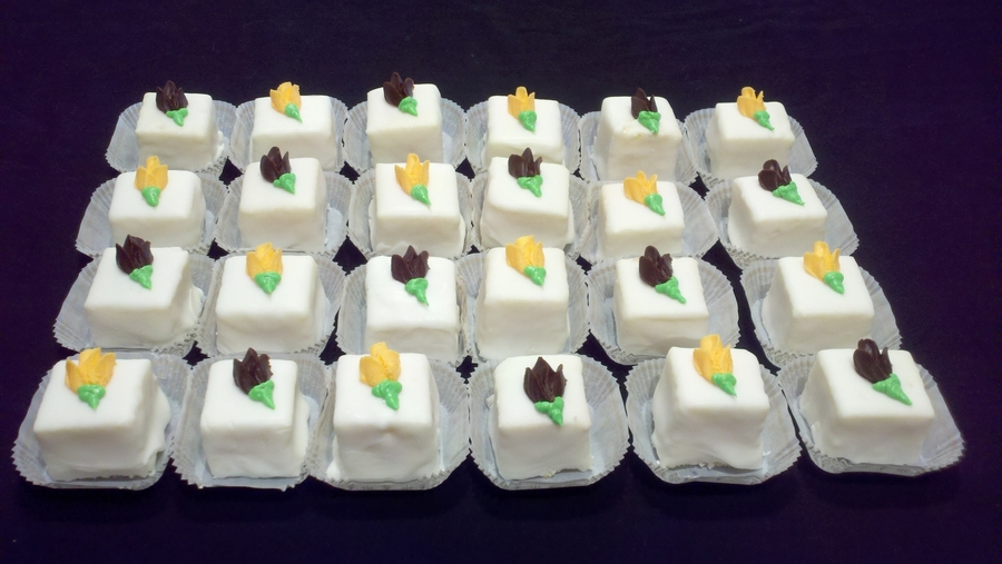 bridal shower petit fours on cake central