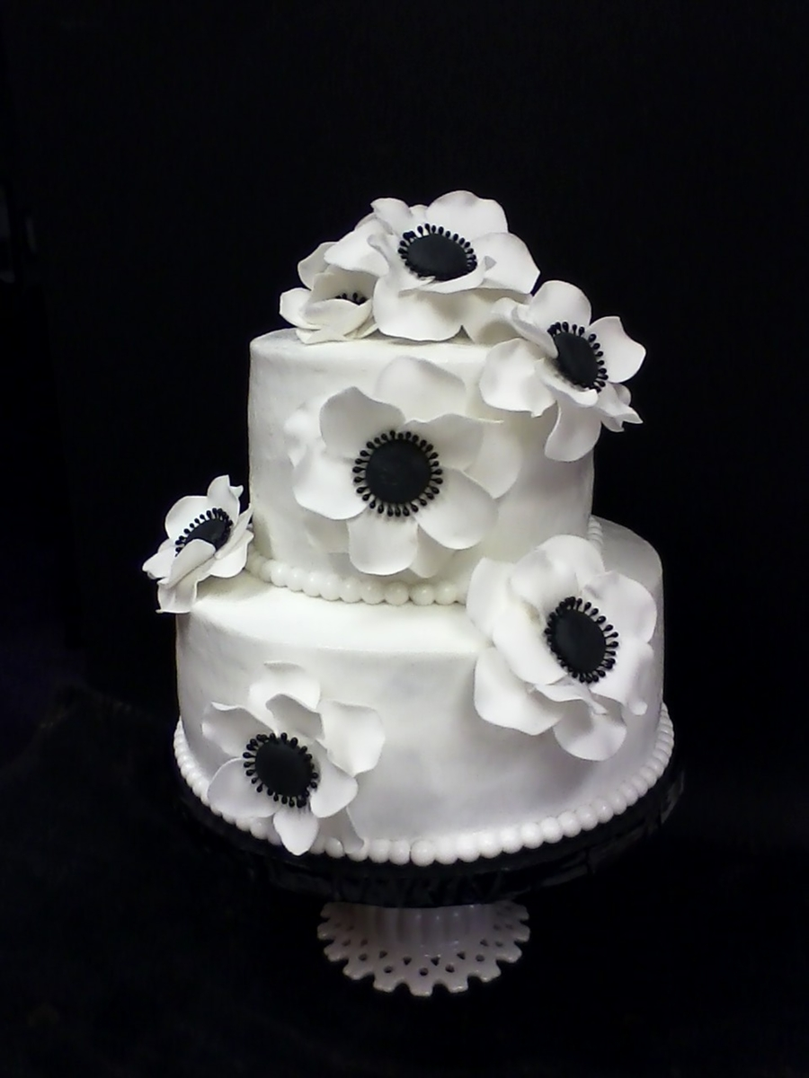 Classic Black And White With Fantasy Flowers on Cake Central