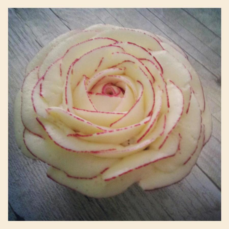 Rose Cupcake With Buttercream  on Cake Central