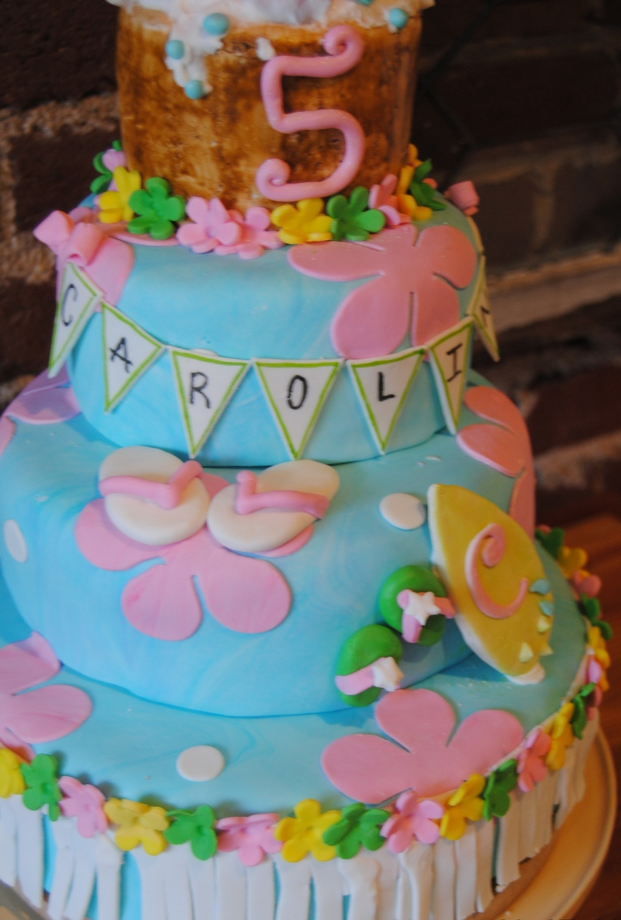 Yellow Cake With Vanilla Bean IMBC Everything Except The Umbrellas Are Edible This Was So Fun Right Up Until Time I Dropped It And Broke