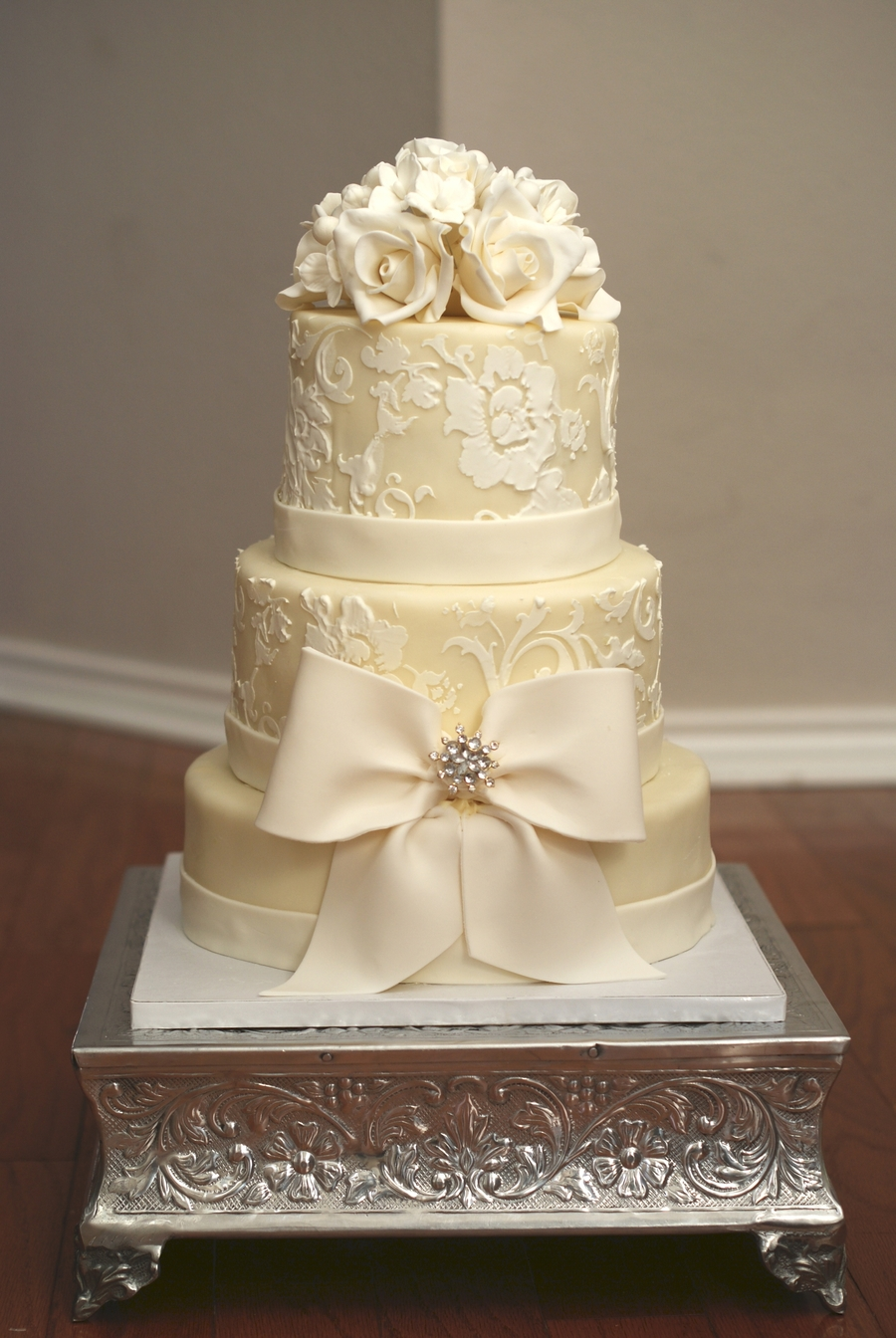 winter wedding cakes winter white wedding cake cakecentral 27557