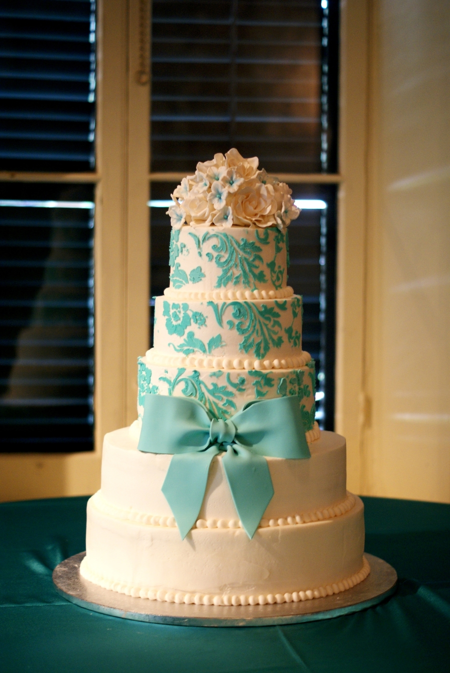 Cake Pictures For Quinceaneras : Huge Quincenera Cake! - CakeCentral.com