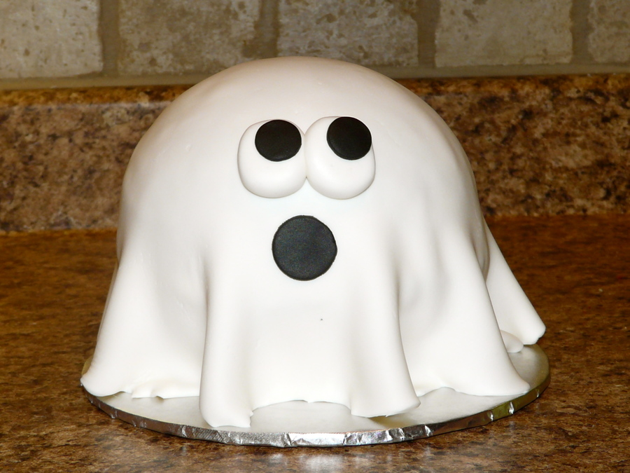 Scared Ghostly  on Cake Central