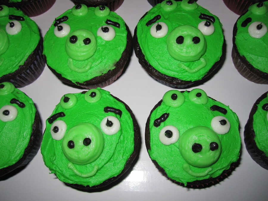 Angry Bird Pig Cupcakes To Go With Some Angry Bird Cakes All Buttercream on Cake Central