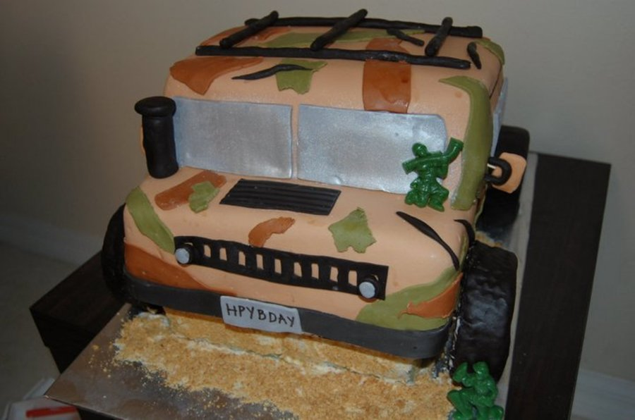 Army / Camo Hummer Cake on Cake Central