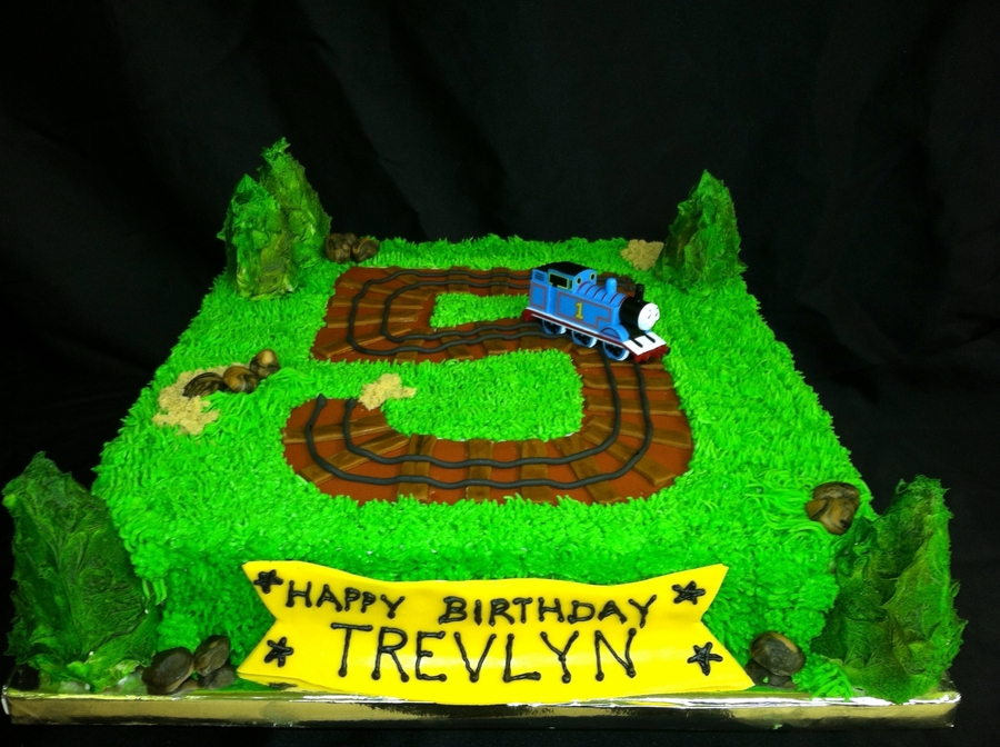 Simple Thomas Cake on Cake Central