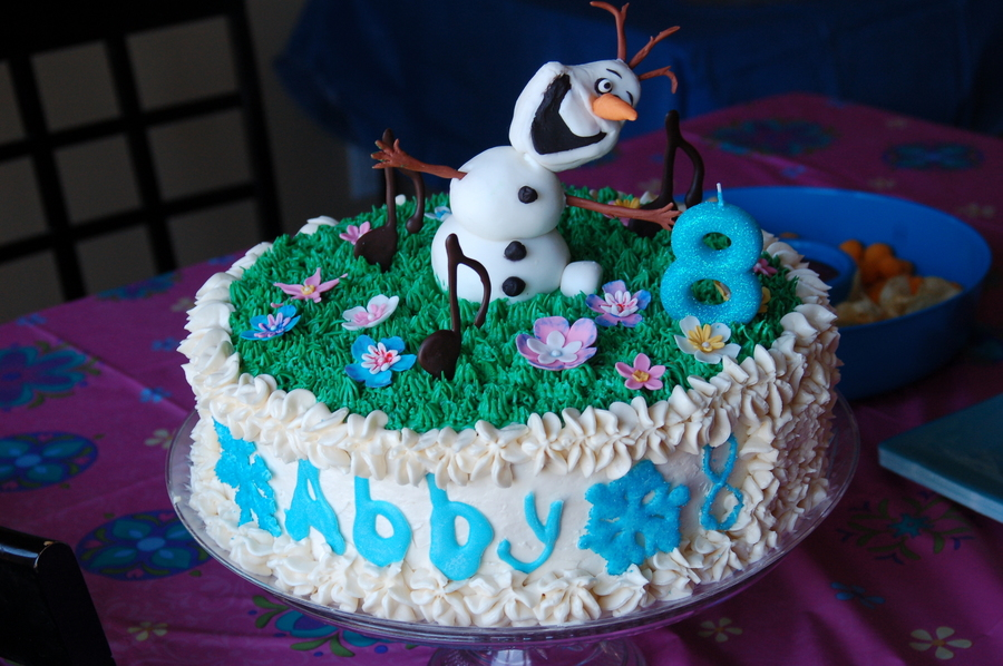 Olaf In Summer Birthday Cake on Cake Central