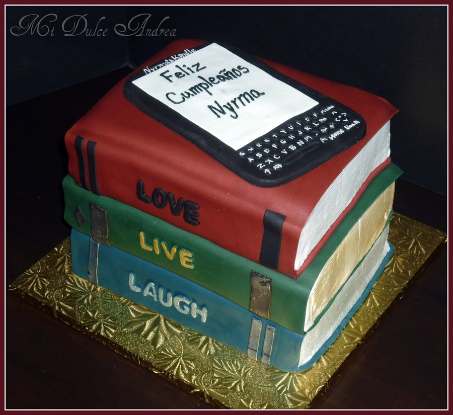 Books & Kindle Cake on Cake Central