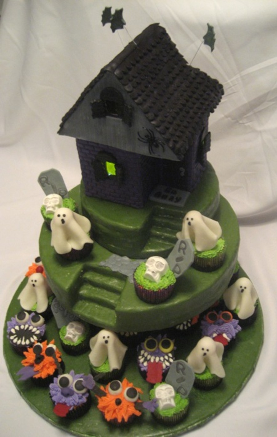 Haunted House With Spooky Cupcakes on Cake Central