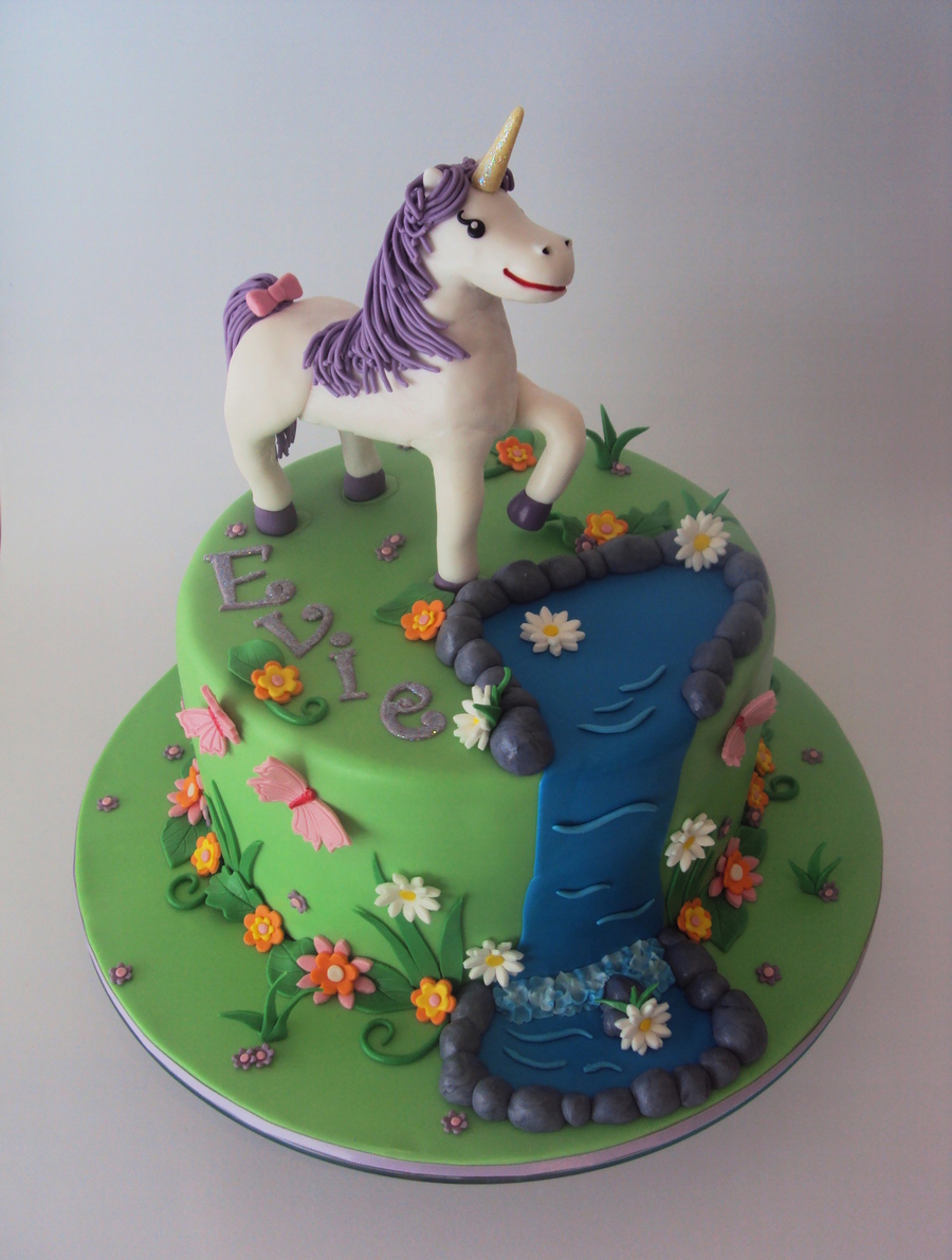 Enchanted Garden W Ith Unicorn Cakecentral Com