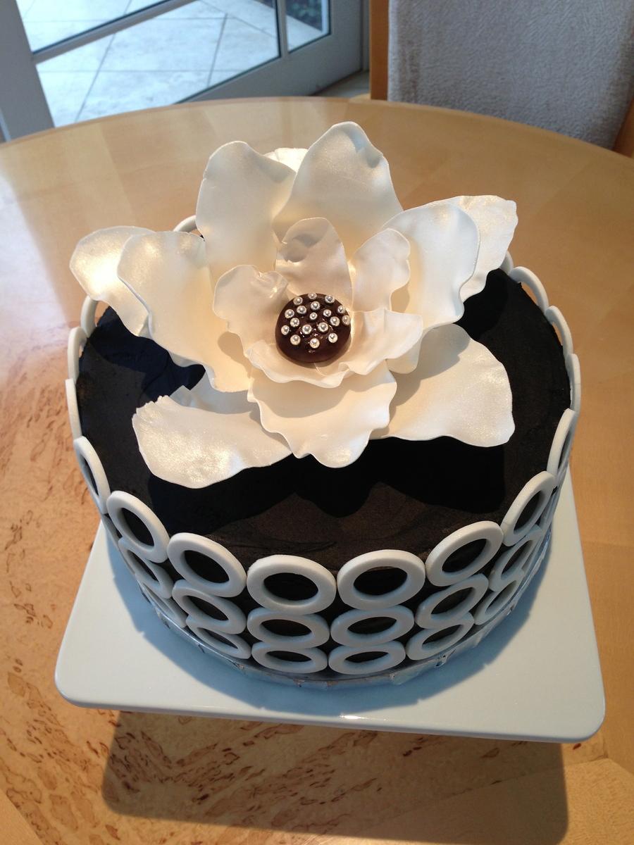 Prime Black White Sophisticated Birthday Cake Cakecentral Com Funny Birthday Cards Online Alyptdamsfinfo