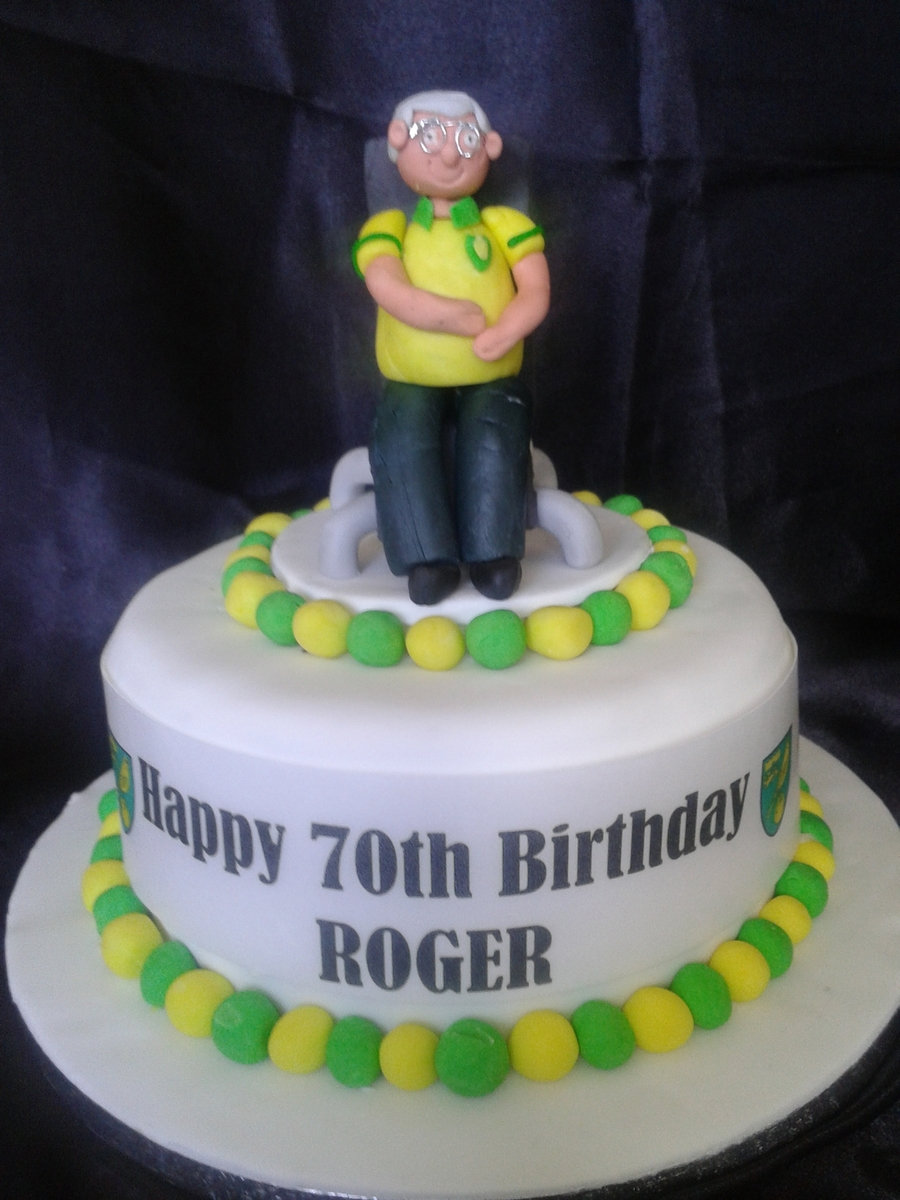 Mastermind Contestant Who Supports Norwich. on Cake Central