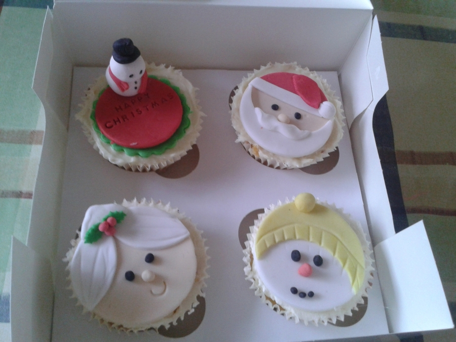 Christmas Themed Cupcakes on Cake Central