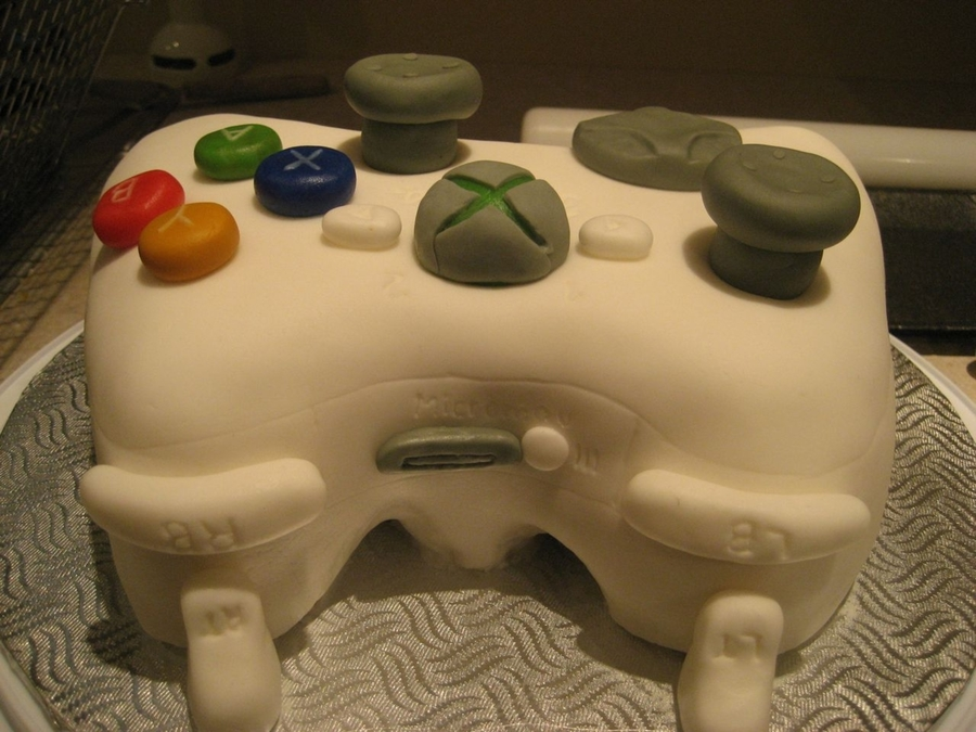 X-Box Handset on Cake Central