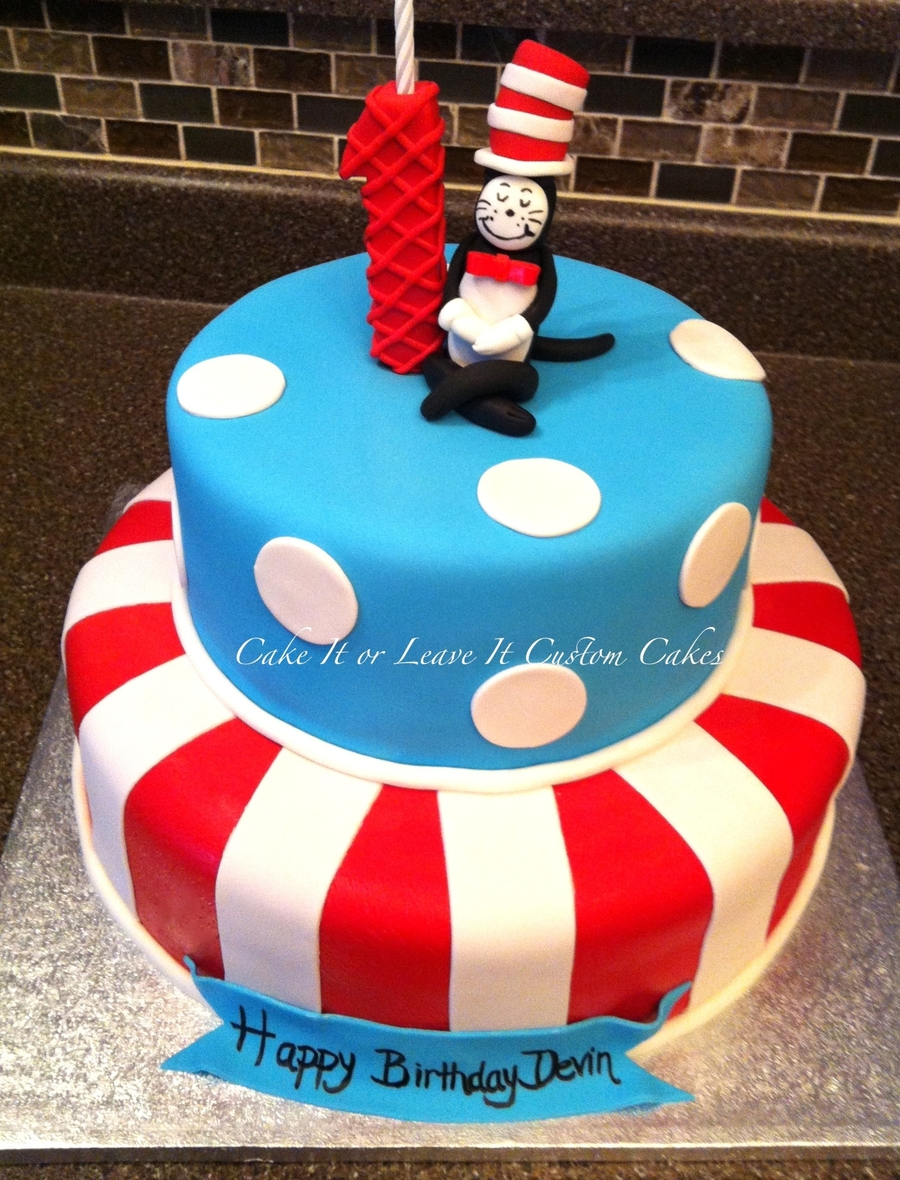 Simple Dr Seuss Cake