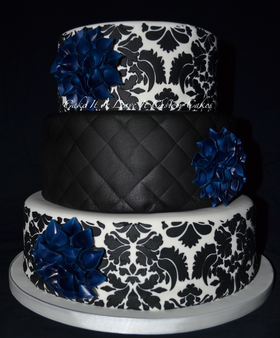 navy and black wedding cake with dahlias. Black Bedroom Furniture Sets. Home Design Ideas