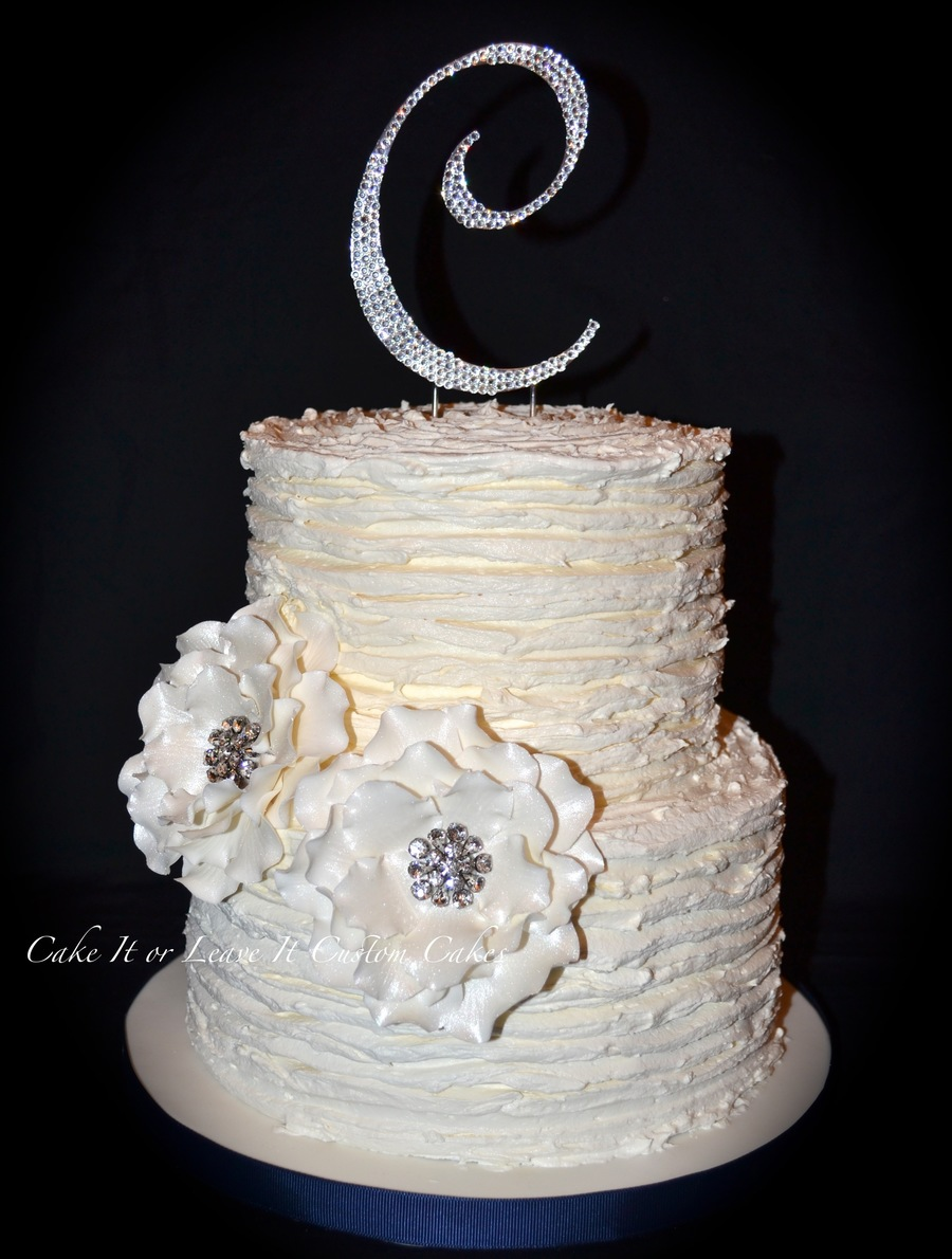 tops for wedding cakes wedding cake with handmade sugar flowers with rhinestone 21058