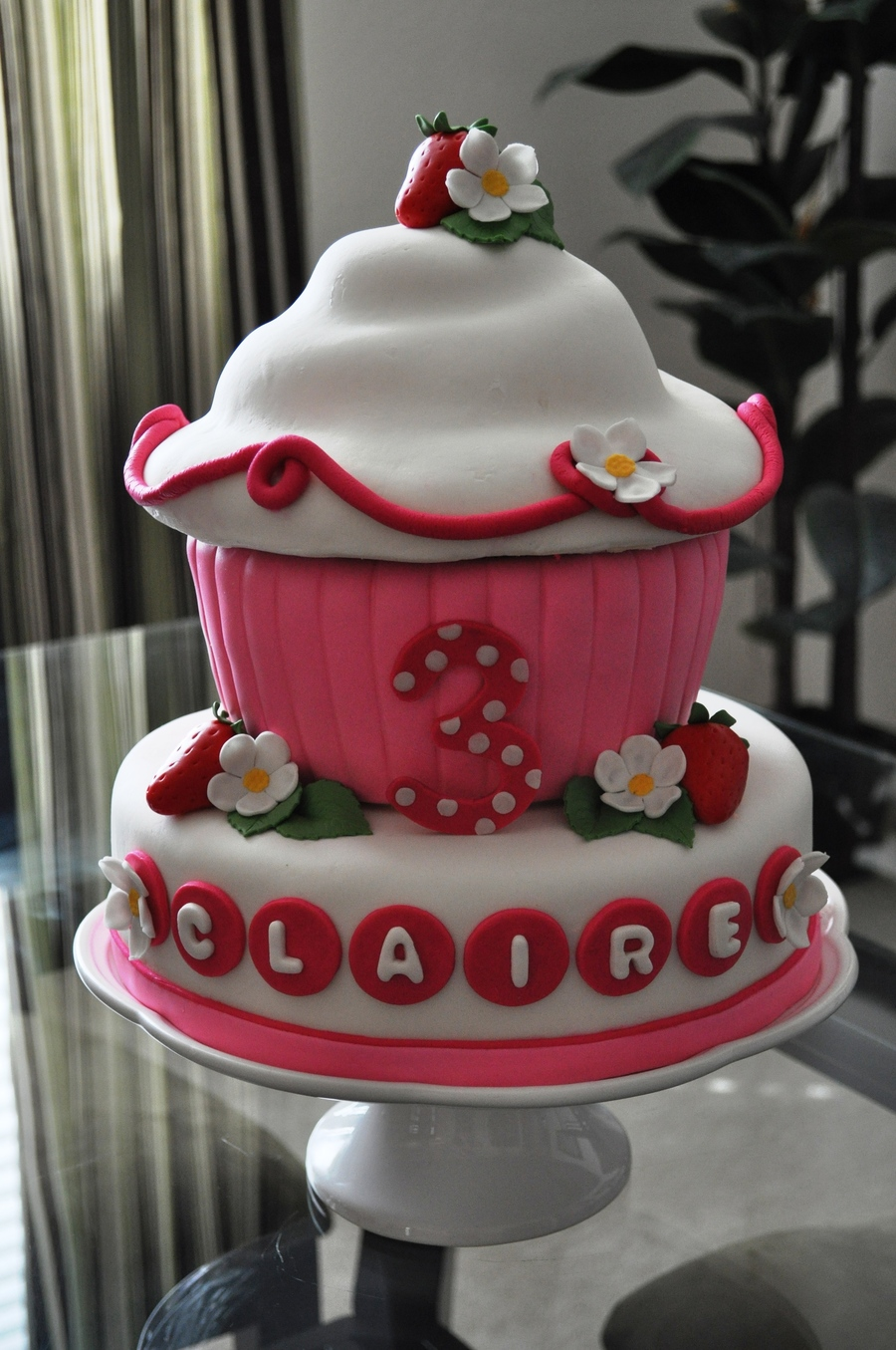 Strawberry Cupcake Cake on Cake Central
