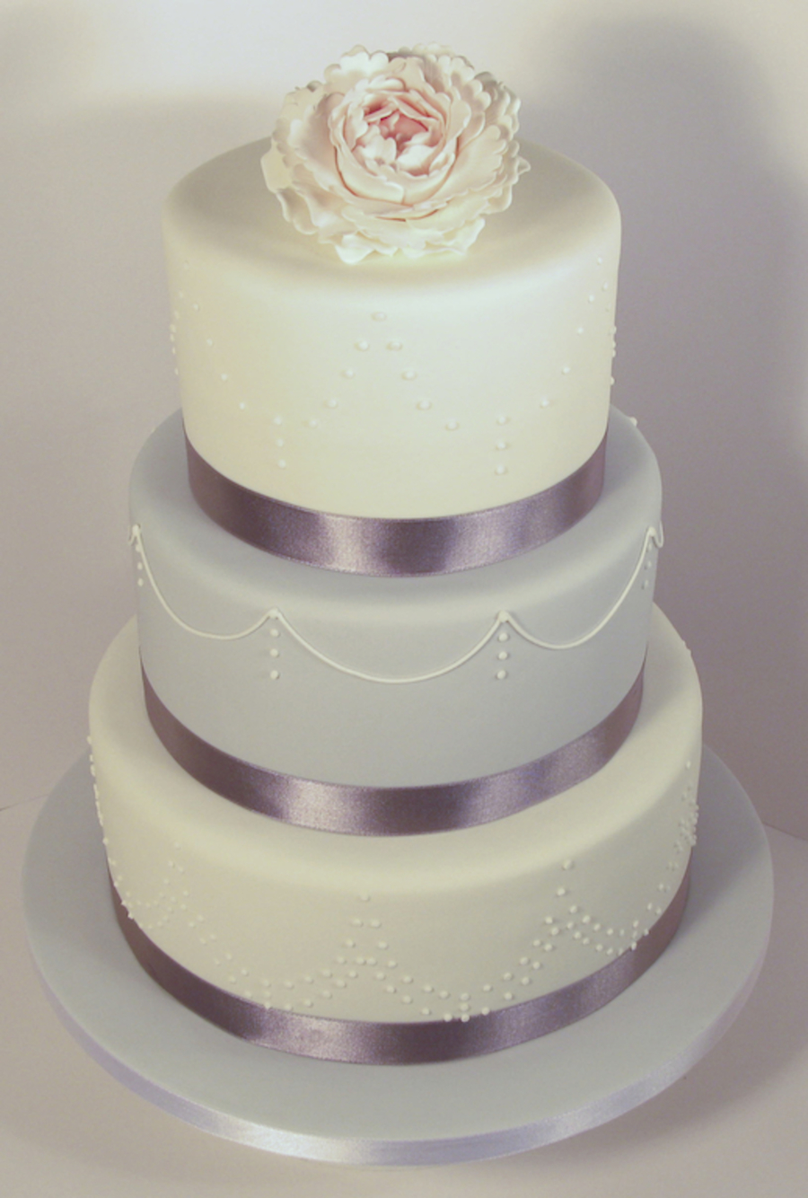 White & Grey on Cake Central