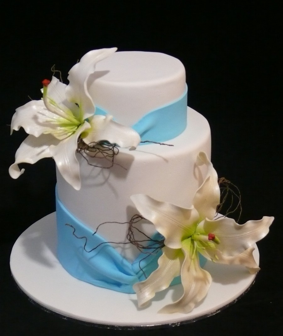 Casablanca Lily Wedding Cake on Cake Central