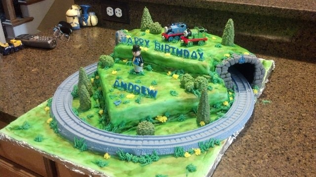 Thomas The Train Birthday Cake With Moving Train