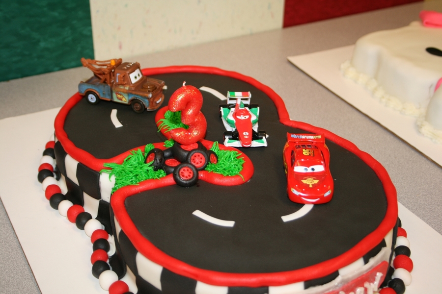Cake Designs With Cars : Disney Cars Cake - CakeCentral.com