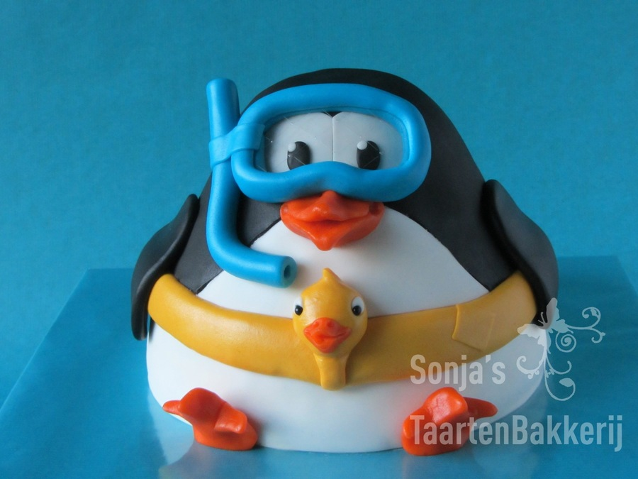 Penguin Goes To Take A Swim..... on Cake Central