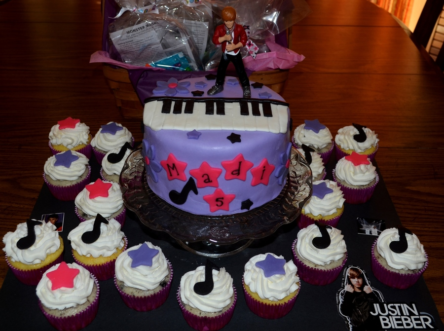 Justin Bieber Cake Inspired By Many Great Bieber Cakes Online  on Cake Central