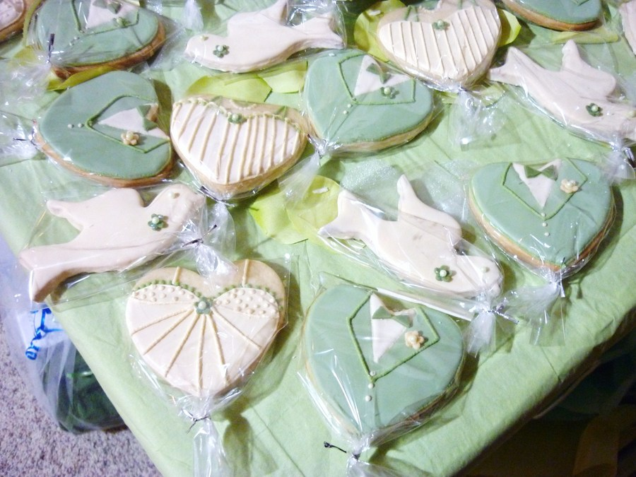 Betty's Bridal Shower Cookies on Cake Central