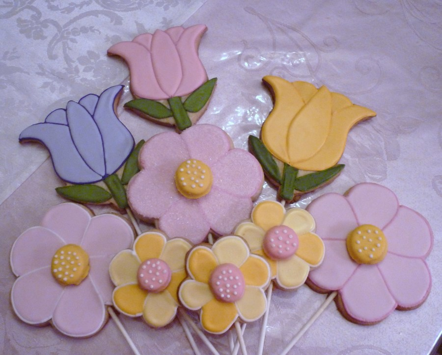 Tulips And Daisys on Cake Central