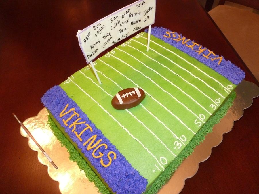 Cake Decorating Team Names : End Of Season Football Team Cake - CakeCentral.com