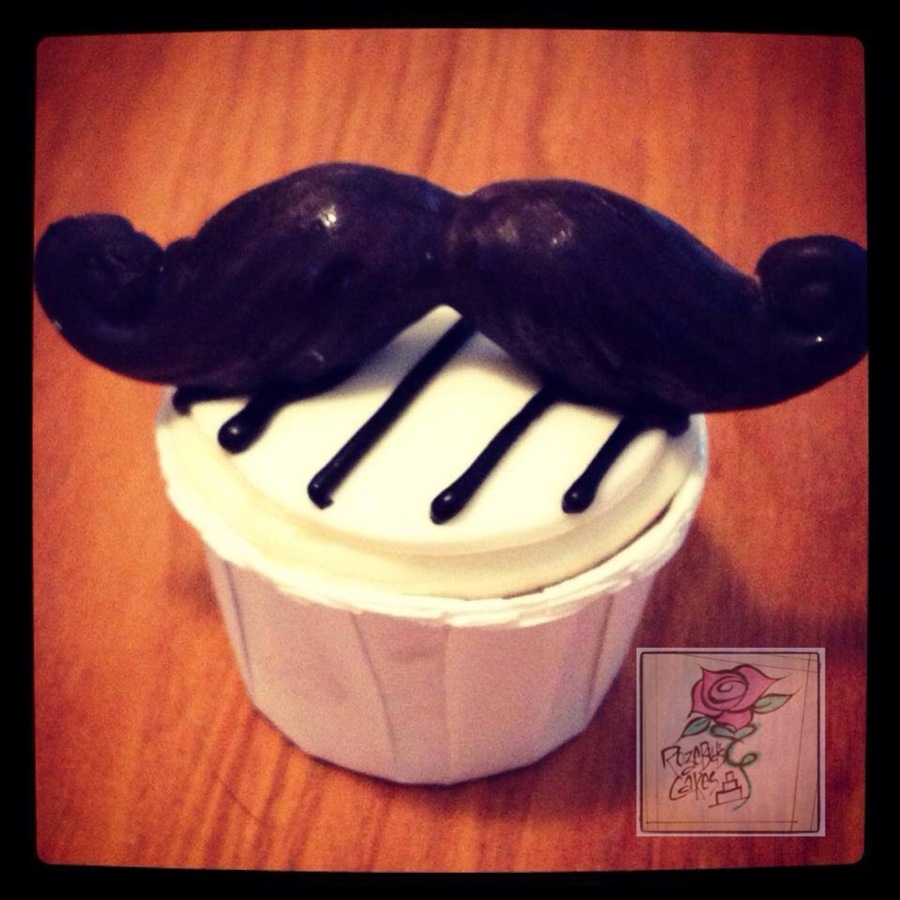 'stache Cupcake  on Cake Central