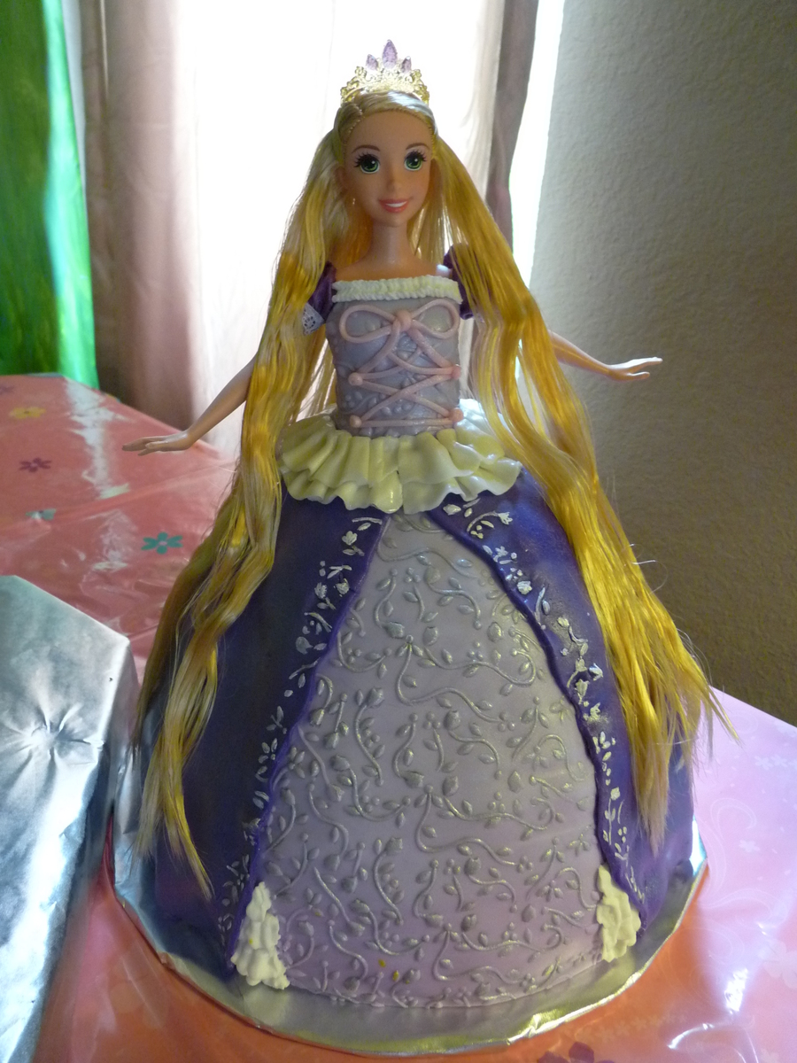 how to make a rapunzel doll cake