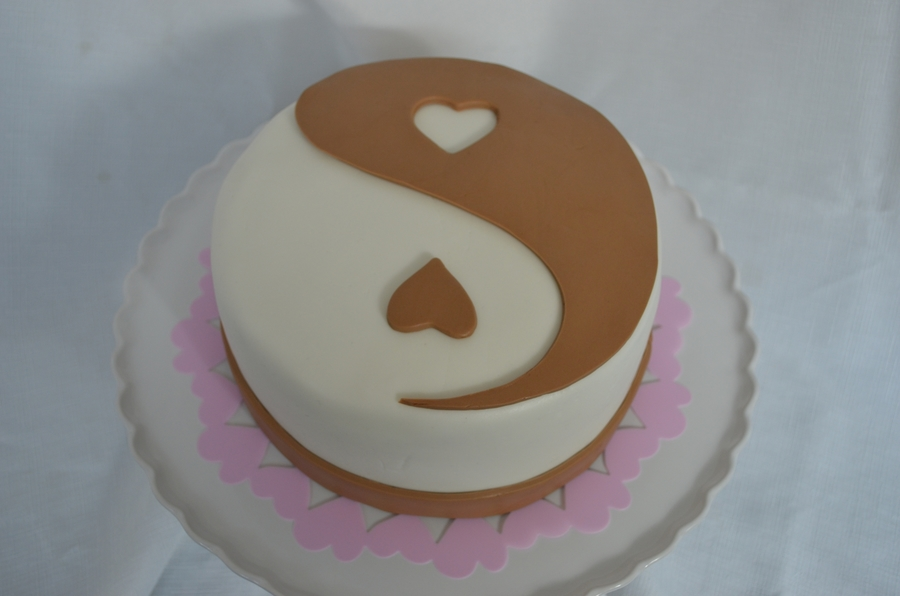 Valentine's Yin Yang on Cake Central