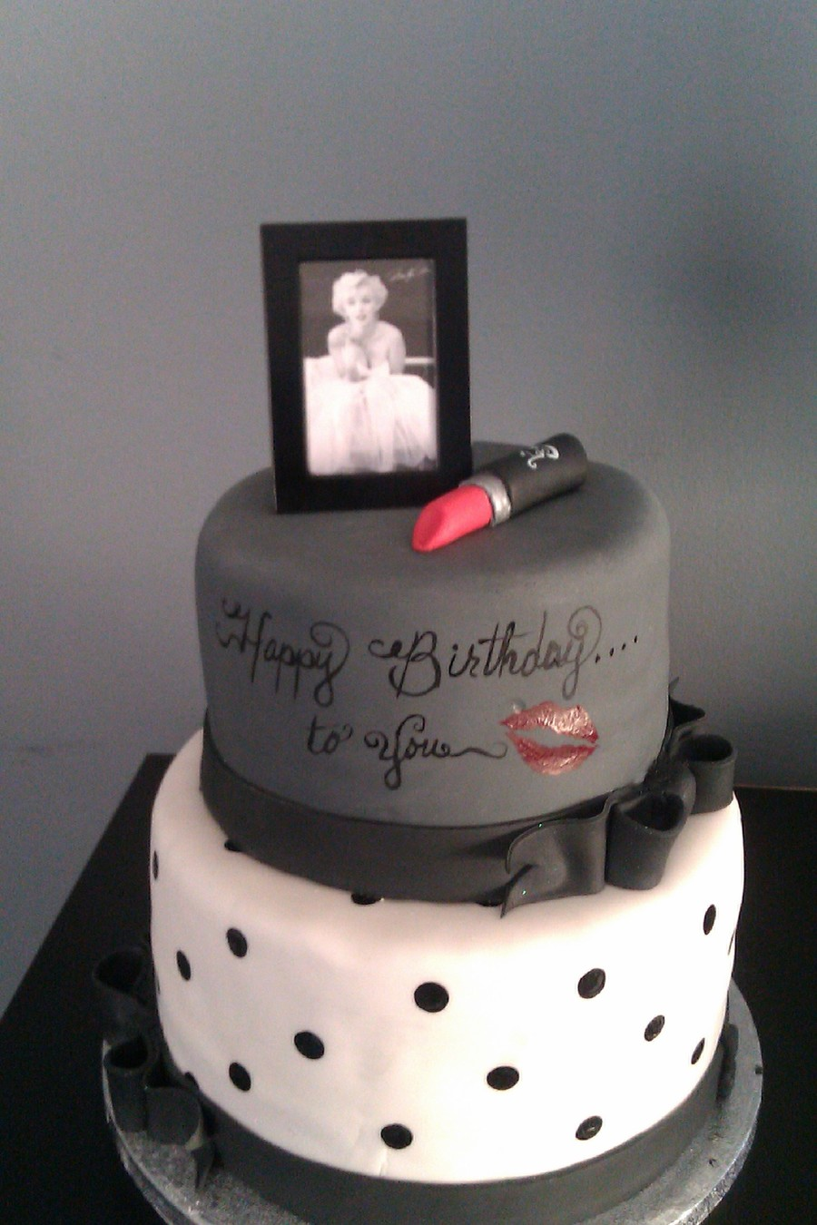 Marilyn Monroe Birthday Cake  on Cake Central