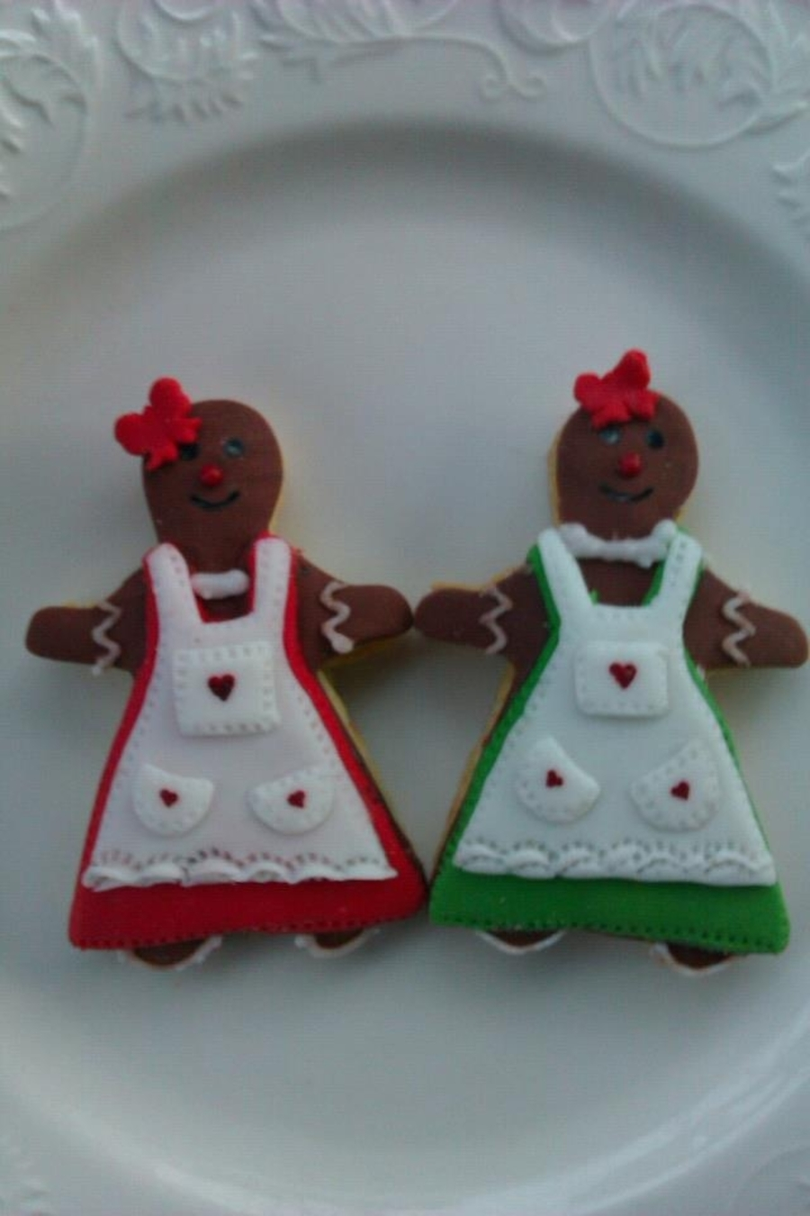 Gingerbread Girls  on Cake Central