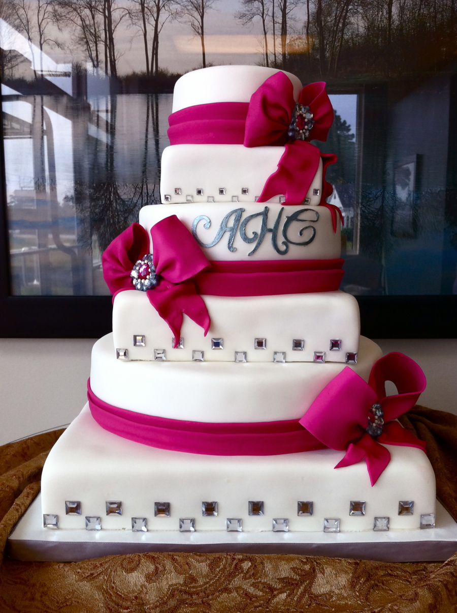 Fuchsia And White Wedding Cake Cakecentral Com