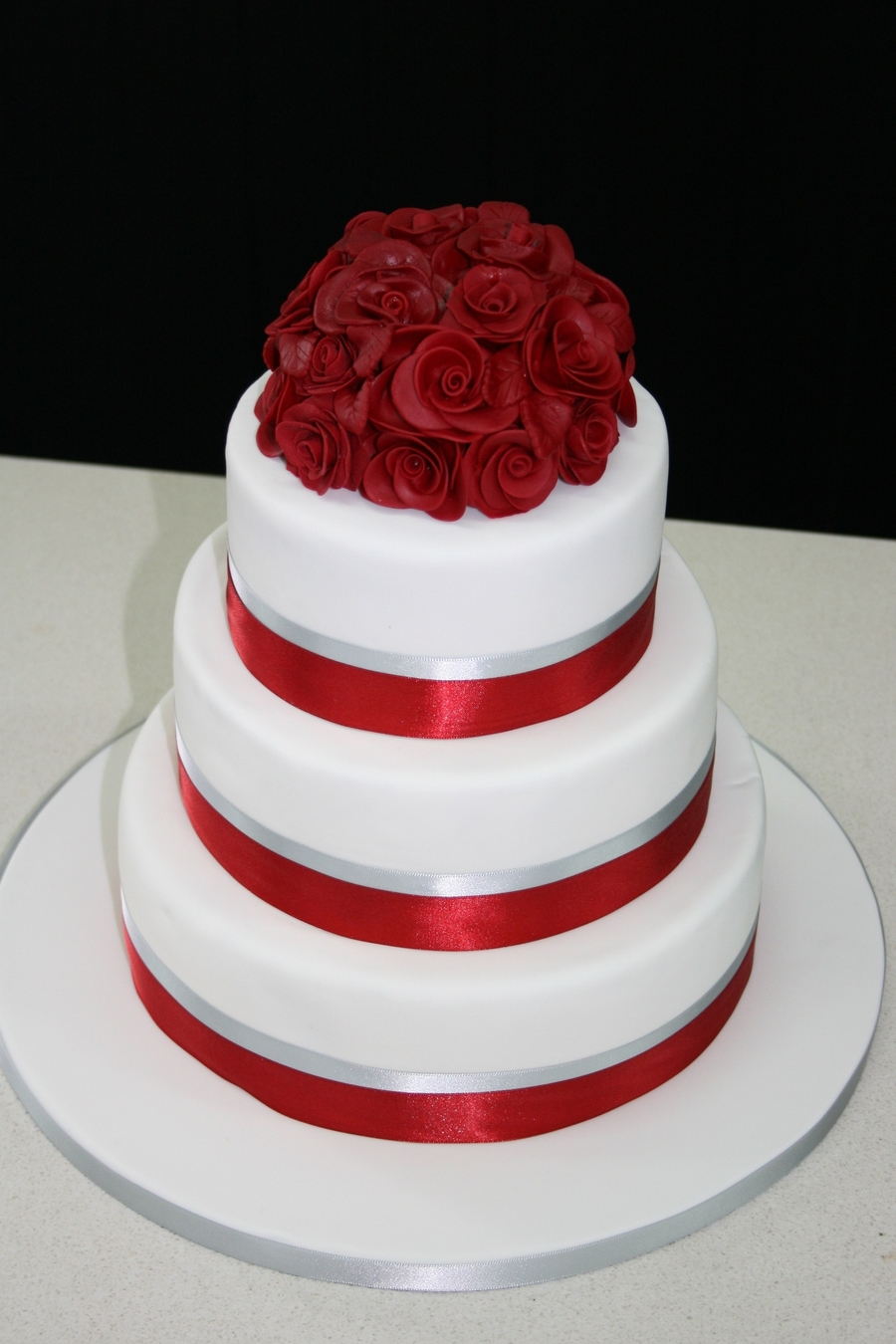 Red Rose Posy on Cake Central