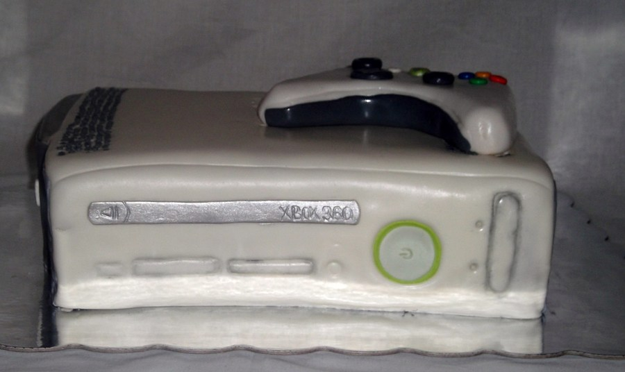 Xbox 360  on Cake Central