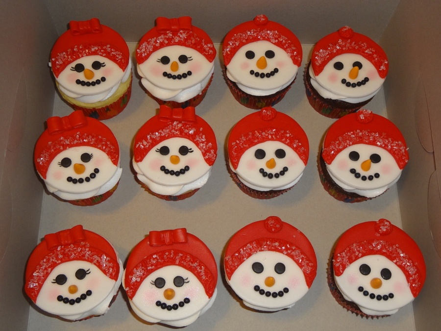 Snowman Cupcakes  on Cake Central