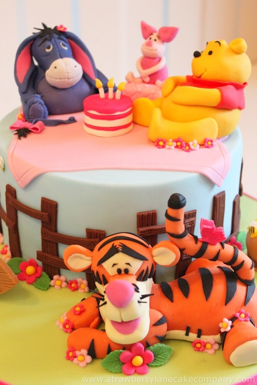 winnie the pooh and friends birthday picnic. Black Bedroom Furniture Sets. Home Design Ideas