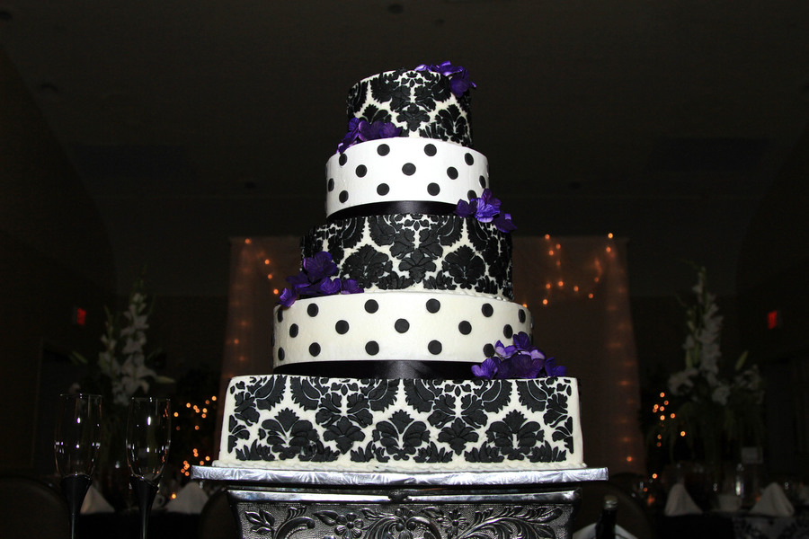 Damask Pattern Wedding Cake on Cake Central